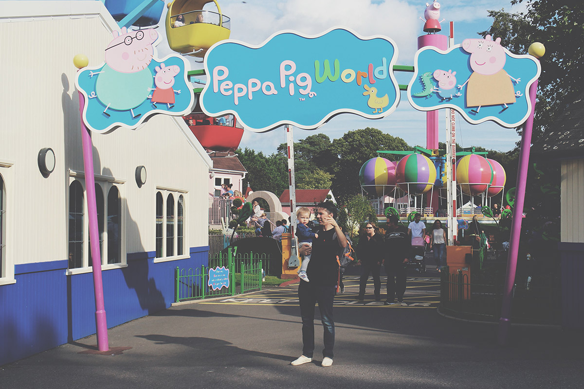 The Ultimate Toddlers Day Out at Peppa Pig World - Entrance to the park