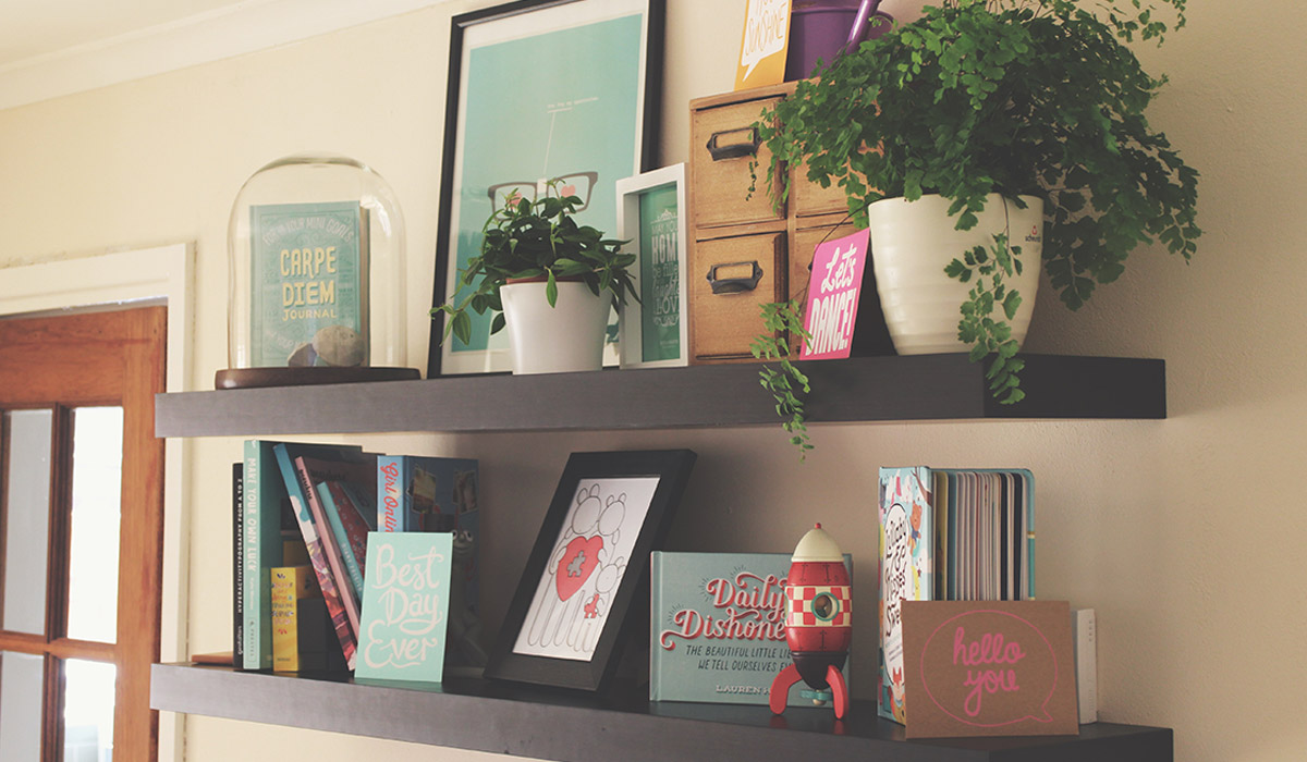 How To Make Your Shelves Beautiful With Organised Clutter